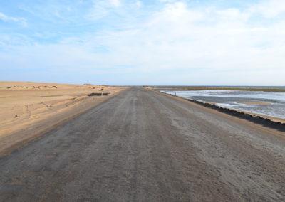 Strada di sale tra dune del Namib laguna e mare Walvis Bay - Diario di viaggio in Namibia