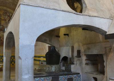 La cappa della fornace nella cucina della Certosa di San Lorenzo a Padula