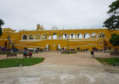 Calle 31 ed Ex-convento di Sant'Antonio da Padova - Izamal - Diario di viaggio in Messico