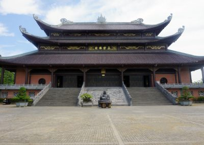 Bai-Dinh-Pagoda--Veduta-frontale