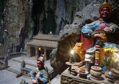 Grotta--Tempio-Huyen-Khong--Montagne-di-Marmo--Danang