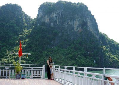 Halong-Bay-l'escursione-in-giro-per-gli-isolotti