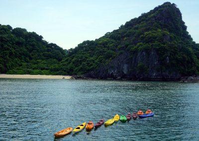 Kayaking-Halong-Bay