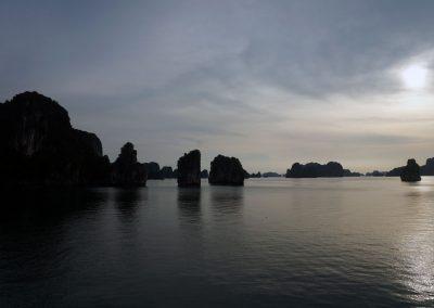 Tu-Long-Bay