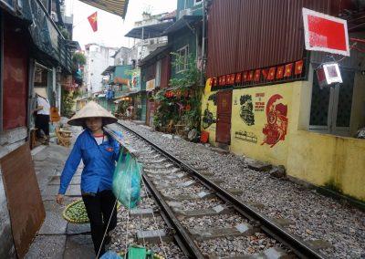 ferrovia-Hanoi-tra-Le-Duam-e-Kham-Tien