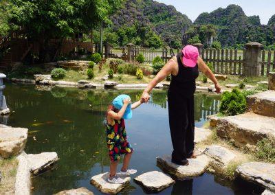 parco-Mua-Caves---Ninh-Binh---Esercizi-di-equilibrismo
