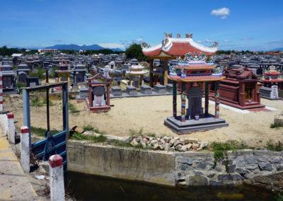 tipico-cimitero-vietnamita-–-Hoi-An