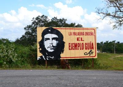 Cartello Che Guevara su autopista Este Oeste L'Avana Vinales - Diario di viaggio a Cuba