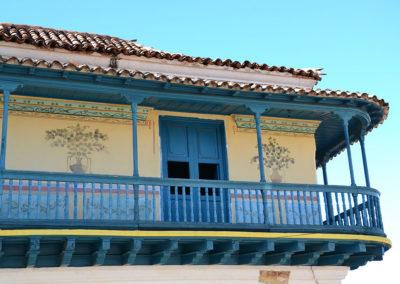 Balcone la Galería de Arte Universal Benito Ortiz, Trinidad - Diario di viaggio a Cuba