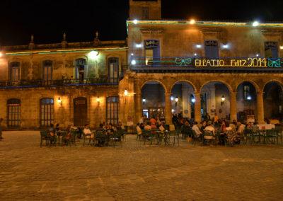 Sera a Plaza de la Catedral, L'Avana - Diario di viaggio a Cuba