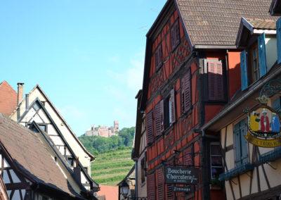 Castello di San Ulrich tra le case a graticcio di Ribeauvillè - Diario di viaggio in Alsazia