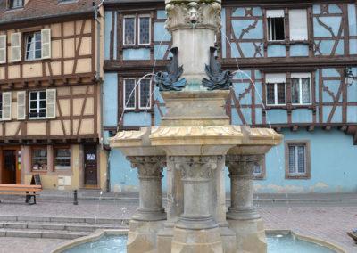 Roesselmann Fountain nella Place de Six Montagnes Noires, Colmar - Diario di viaggio in Alsazia