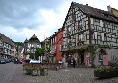 Veduta piazza dalla Chiesa de la Sainte Croix, Kaysersberg- Diario di viaggio in Alsazia