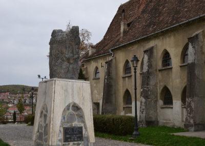 Piata Muzeului, Chiesa del Monastero Dominicano-Biserica-Manastirii- e statua di Vlad Tepes, Sighisoara - Diario di viaggio in Transilvania - Romania