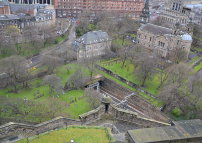 Edinburgh Castle, panorama su West Princes Street Gardens e The Paris Church of St. Cuthbert Diario di viaggio in Scozia.