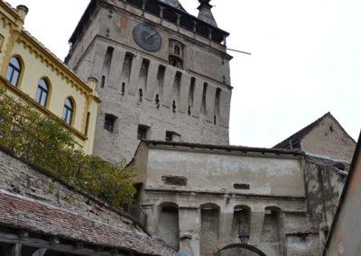 Strada Turnului, con Sala Sander e Torre dell'orologio, Sighisoara - Diario di viaggio in Transilvania - Romania.